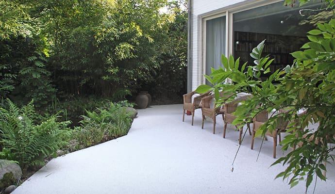 quarzboden teppich auf terrasse eines hauses