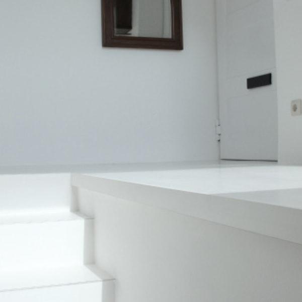 weisse treppe von kfs floor systems